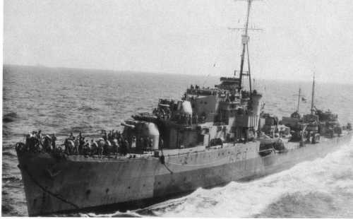 أسلحة صنعت الحدث - صفحة 2 Dd_hms_paladin_refueling_indian_ocean_1945